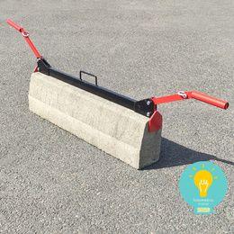 pince a bordure manuelle en situation sur bordure beton
